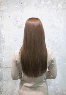 【 他店の縮毛矯正と chill hair のストレートパーマの違い 】
